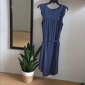 Ruffled shoulder sleeveless midi dress